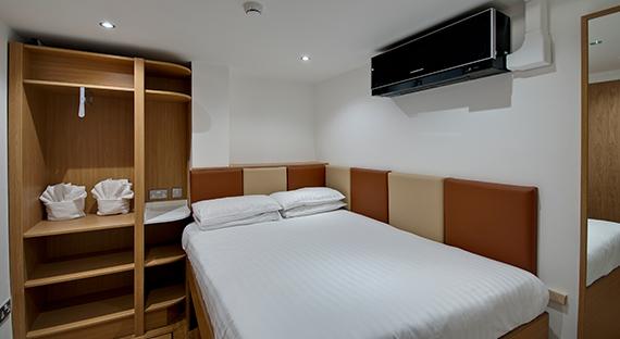 Pod hotel bedroom